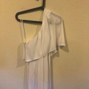 BCBGMaxAzria Dresses - BCBG white one shoulder maxi formal dress